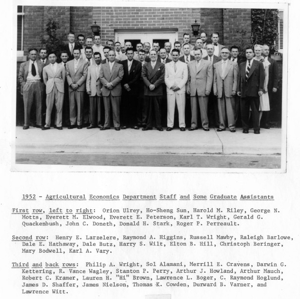 AEC_Faculty_Students_1952