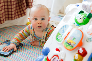 Toys that encourage movement, touch, exploration and imitation are often the best to promote infant development.