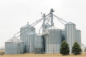 Recording of webinar on managing corn and soybeans in on-farm storage is now available