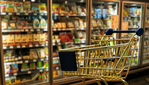 Safe food handling when shopping in stores or using grocery delivery