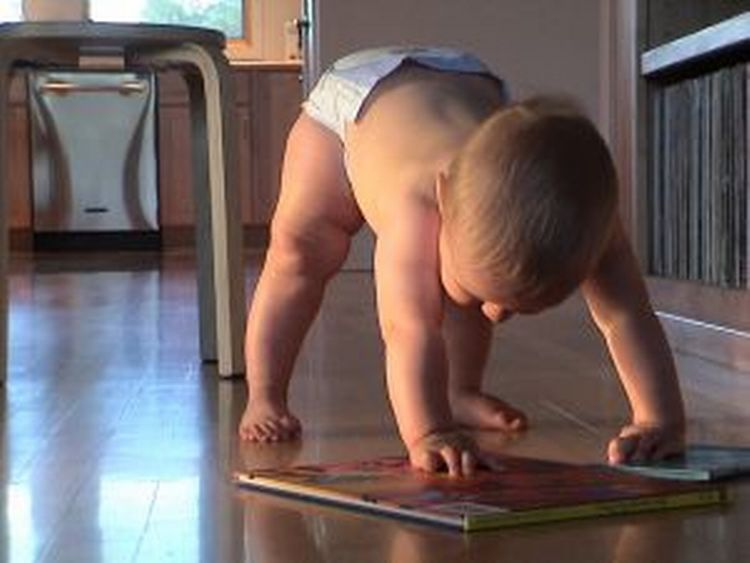 The skill of crawling has many benefits to both a child's brain and future motor skills.