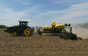 Preventing sidewall compaction in field crops