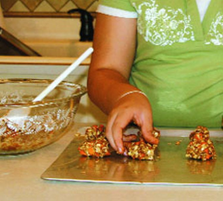 Try making horse treats for a fun winter activity. Photo credit: horsechannel.com | MSU Extension