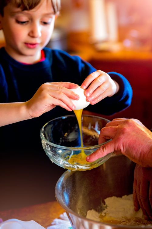 When children help you out in the kitchen, give them quick and easy jobs to keep their attention.
