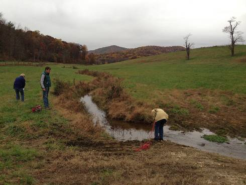 A community group in Virginia uses Gray's approach to study water pollution.