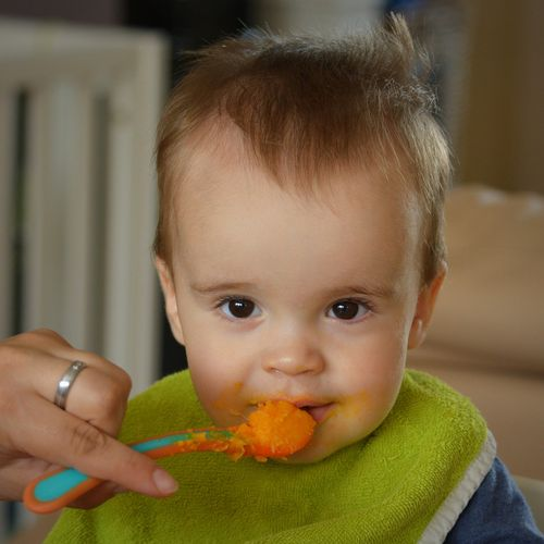 Feeding your baby can be a special time for parents to work with and bond with their baby. Photo credit: Pixabay.