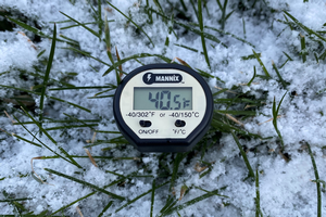 Cold temperatures extend application timing for crabgrass preemergence herbicides