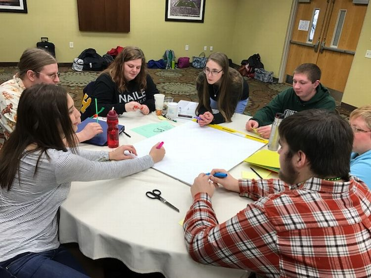 Youth members of the 4-H Capitol Experience Steering Committee at their annual facilitator's training.