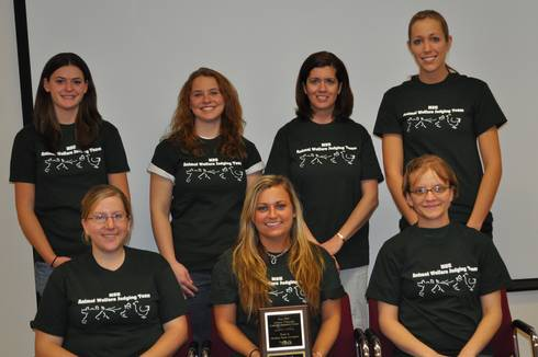 The 2009 MSU Animal Welfare Judging Team. Photo credit: Faye Watson | MSU Extension