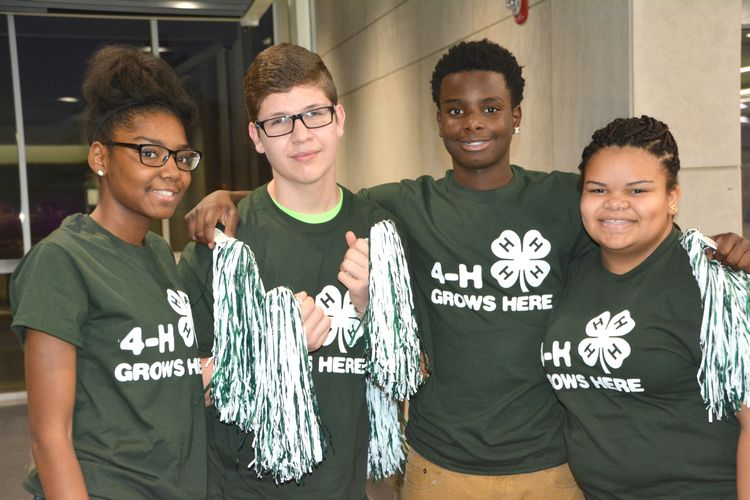 4-H youth in 4-H gear