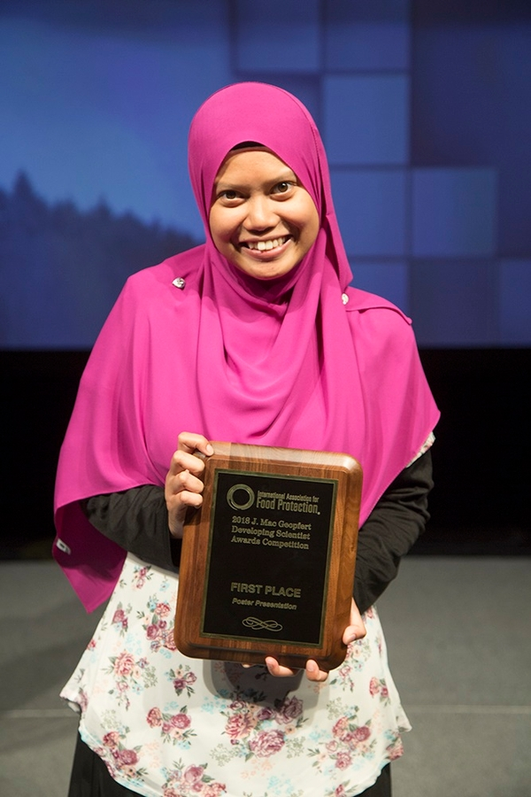 PhD student Nurul Ahmad chosen first place in IAFP poster