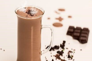 Plant science at your dinner table: Hot chocolate vs. hot cocoa