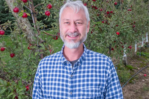 Todd Einhorn named Bukovac Professor in Tree Fruit Physiology