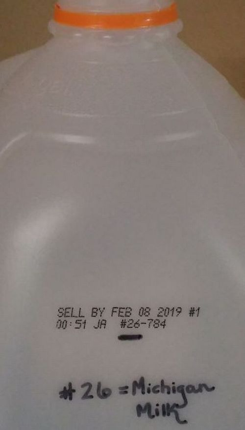 A picture of what a set of numbers on the expiration date of a milk jug means