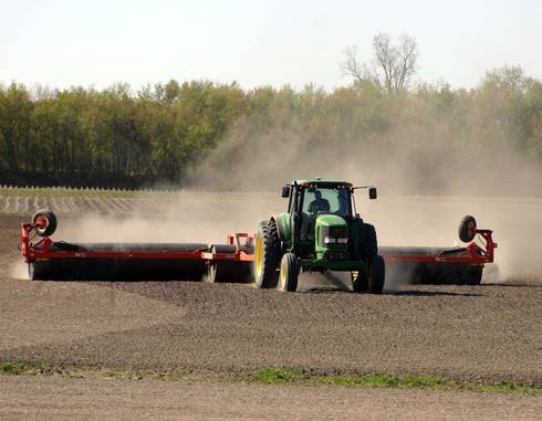 Rolling seedbeds is a way forage producers can reduce ridges and provide a smooth seedbed.