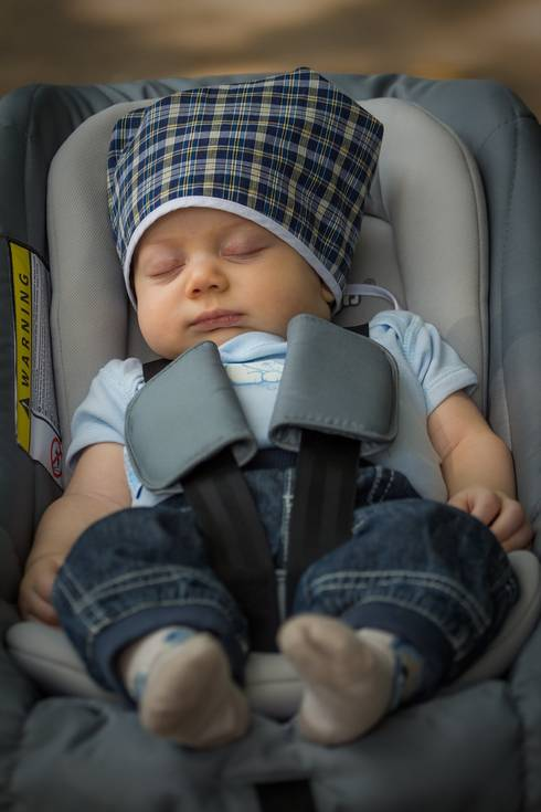 Now is a great time to review the steps you should take to keep your children safe in the car! Photo credit: Pixabay.