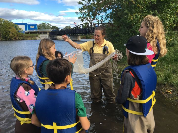 Meaghan Gass works with students from Ella White Elementary School in Alpena, Mich. Gass will join Michigan Sea Grant as its Saginaw Bay region educator. Courtesy photo.