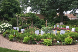 Volunteering opportunities for west Michigan Master Gardeners