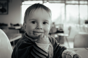 Consciously choosing to make the most of meal time for your child can have lasting benefits. Photo credit: Pixabay.