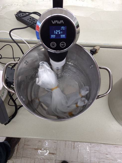 A sous vide cooking tool