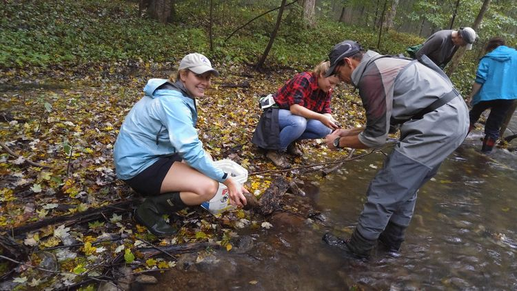 River monitoring field session 2016 | Photo by Beth Clawson