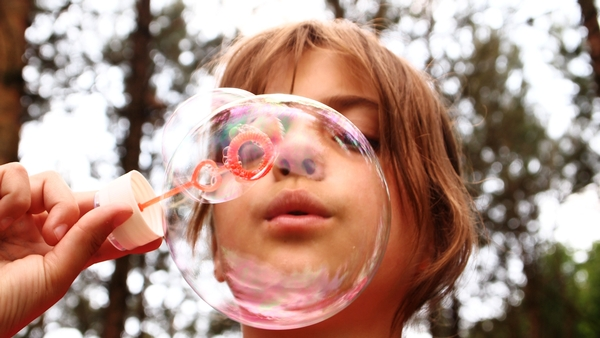 A experiment with bubbles can be a fun science activity for the entire family.
