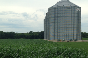 Using bin aeration to dry corn and soybeans with natural air
