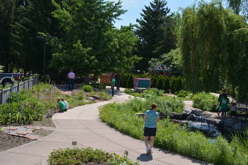 "School gardens: The new ""in"" thing for schools - MSU Extension"