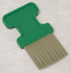 Comb for removing lice eggs from hair shafts