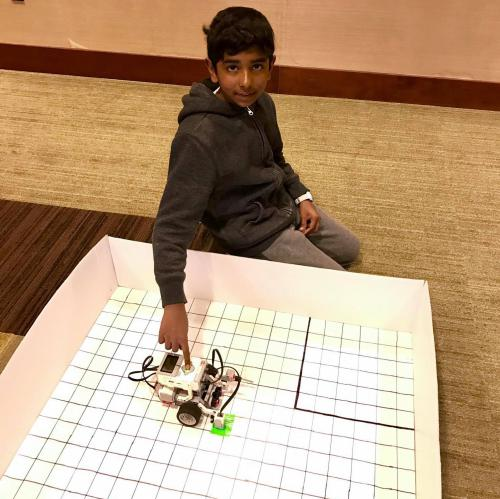 Youth at 4-H Robotics SPIN Club at Delta Township District Library