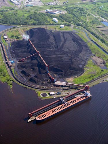 Port of Duluth: loading a ship with coal.